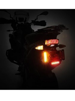 Światła do jazdy dziennej DENALI z uniwersalnym zestawem do montażu od R&G (światło ciepłe)